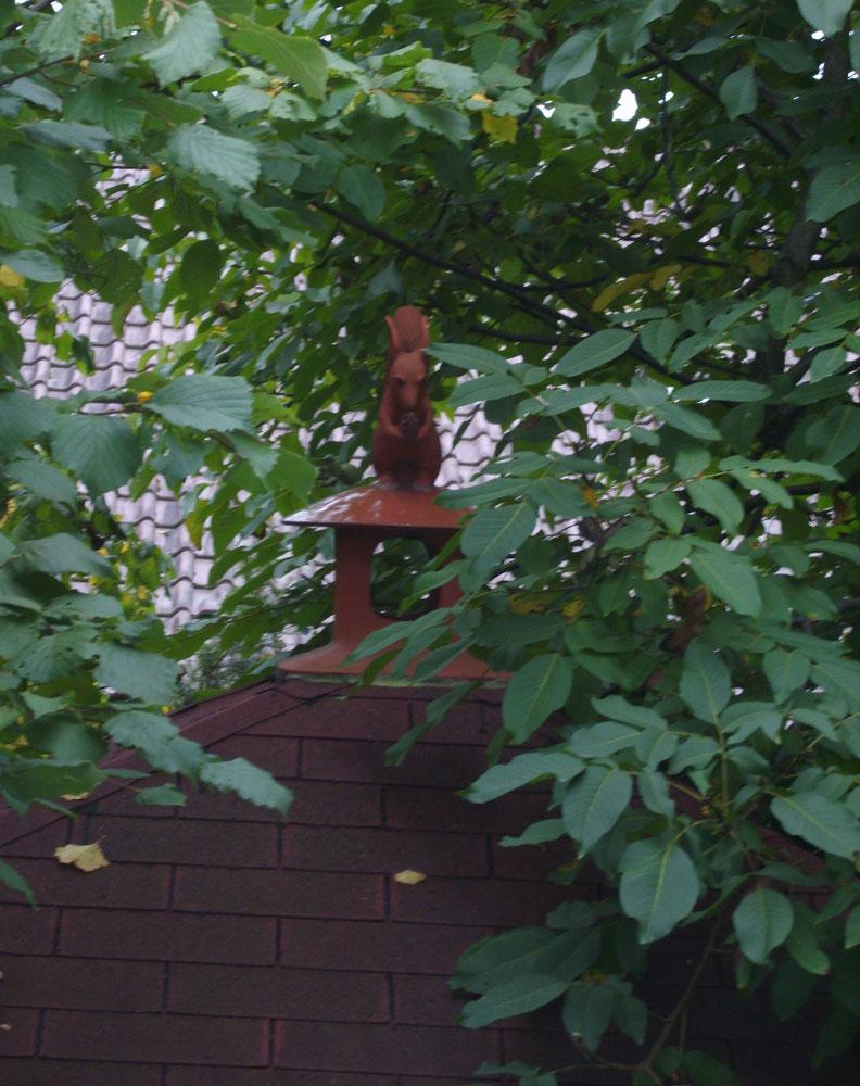 Keramik-Eichhörnchen